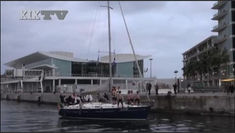 Il Re del Carnevale Arriva in Barca a Vela